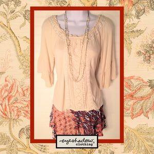 👚 Eyeshadow Knit Bell-Sleeved Top